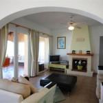 Large Lounge with Fiireplace