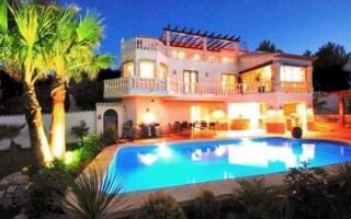 Property for Sale: Family Size 5 Bedroom Villa for Sale in Javea, Costa Blanca, Spain!
